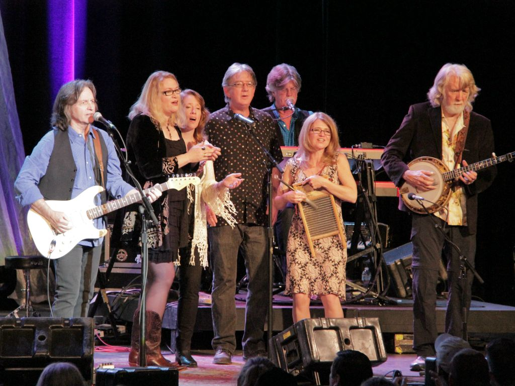 Singing with the Nitty Gritty Dirt Band